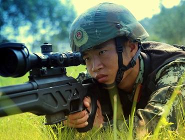 """高清:三伏天的""""烤""""验 直击武警来宾支队特战比武竞赛"""