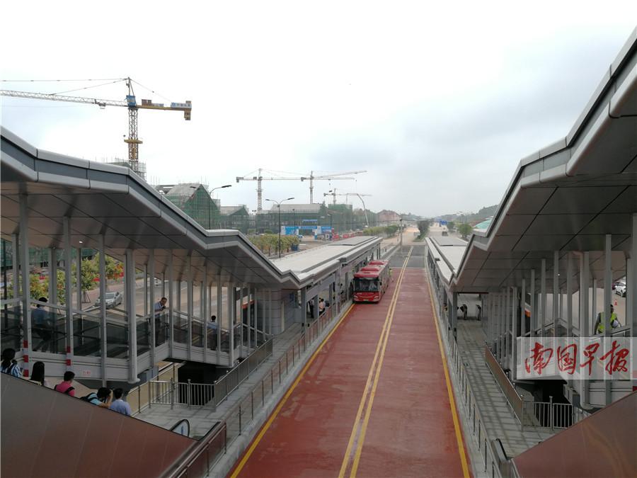 8月21日焦点图:赞!南宁BRT2号线即将开放