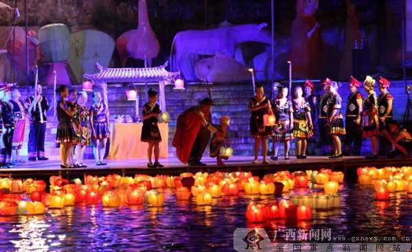 资源河灯歌节:七月十四万盏河灯照资江