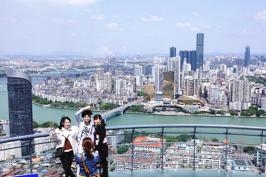 高清图集:柳州在长高 摩天大厦不断刷新城市高度