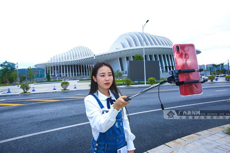 【壮乡六十载南宁行】徜徉艺术圣殿 观广西文化艺术中心