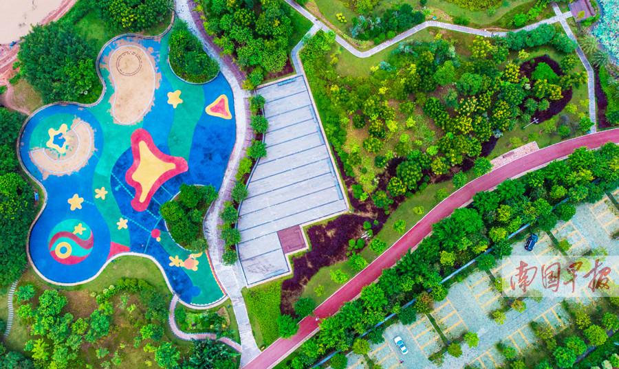 9月5日焦点图:南宁五象新区邕江南岸滨江公园全面开放