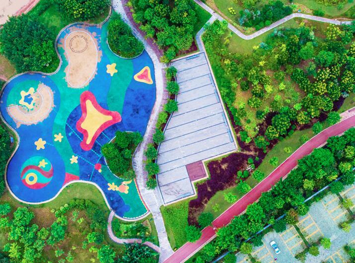 5日焦点:南宁五象新区邕江南岸滨江公园全面开放