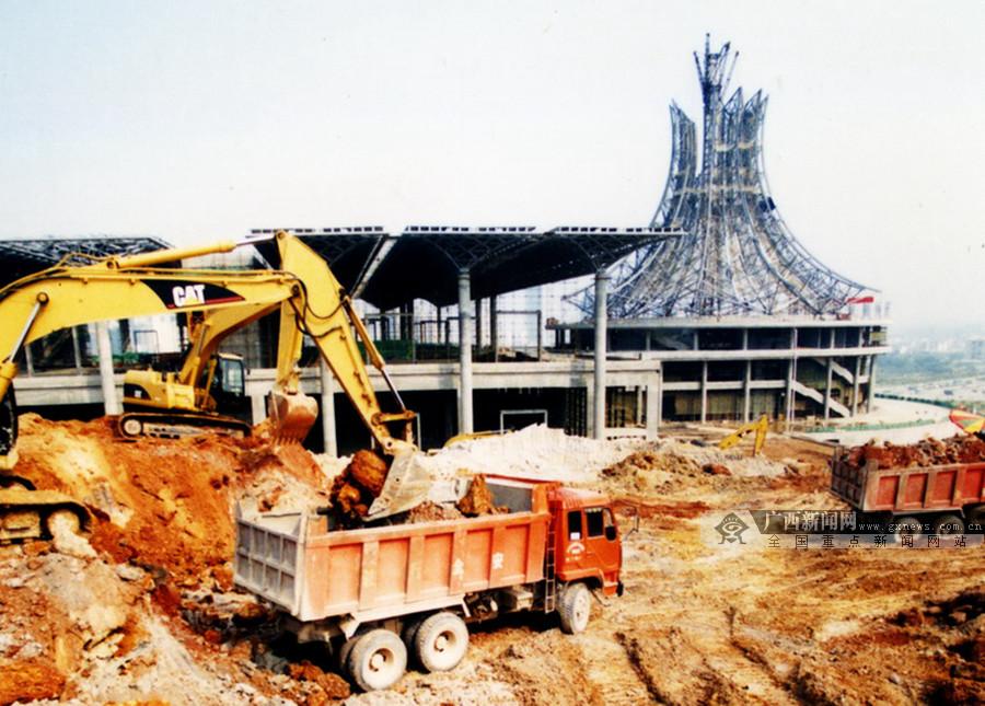 """高清:2002-2018 回顾南宁国际会展中心""""蝶变""""之路"""