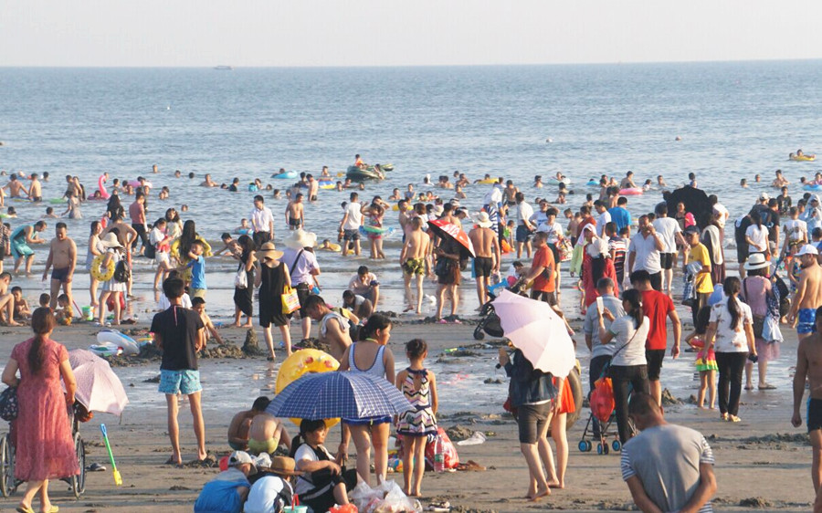7日焦点图:国庆广西新老景区各显神通吸引人气