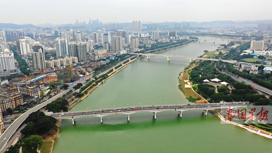 10月17日焦点图:邕江水位变高 你发现了吗