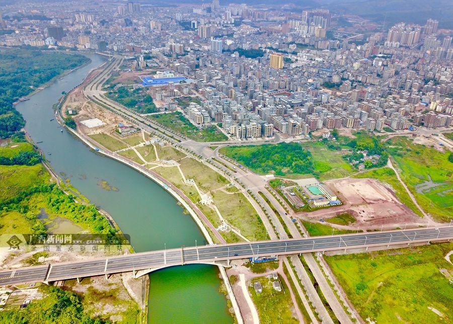 10月21日焦点图:中越北仑河二桥已现雏形