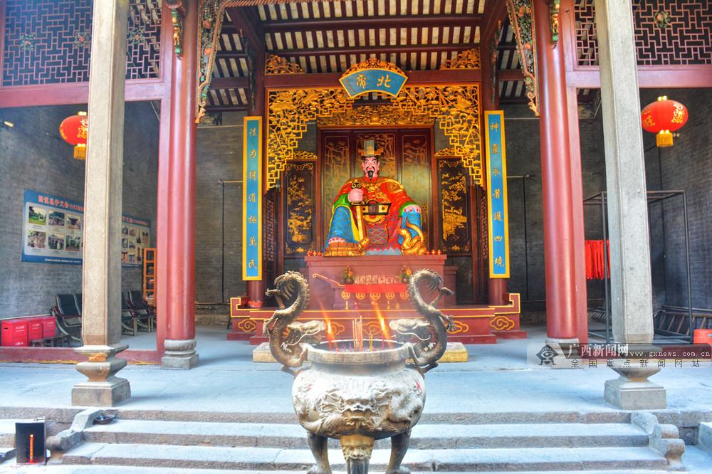 南宁市邕宁区启动生态文化旅游年媒体采风活动