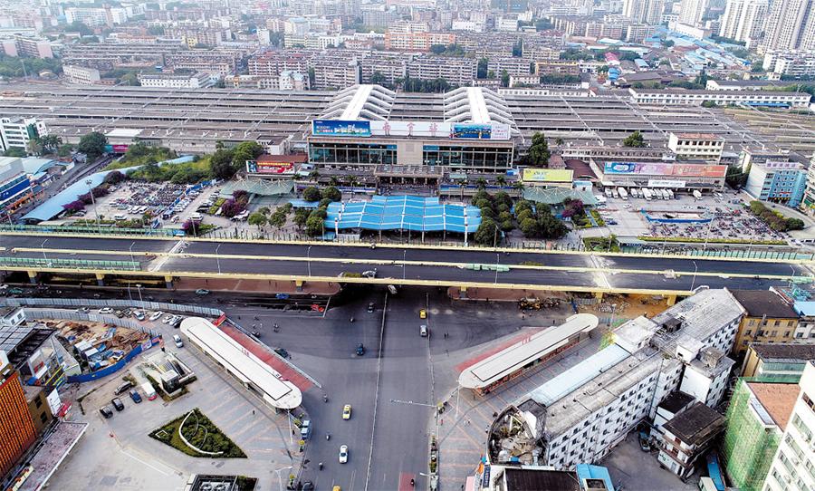 镌刻城市记忆 60多年了南宁火车站依然屹立(组图)