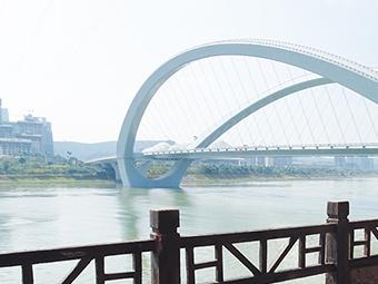 南宁4座大桥焕然一新 成邕江上一道亮丽风景线(图)
