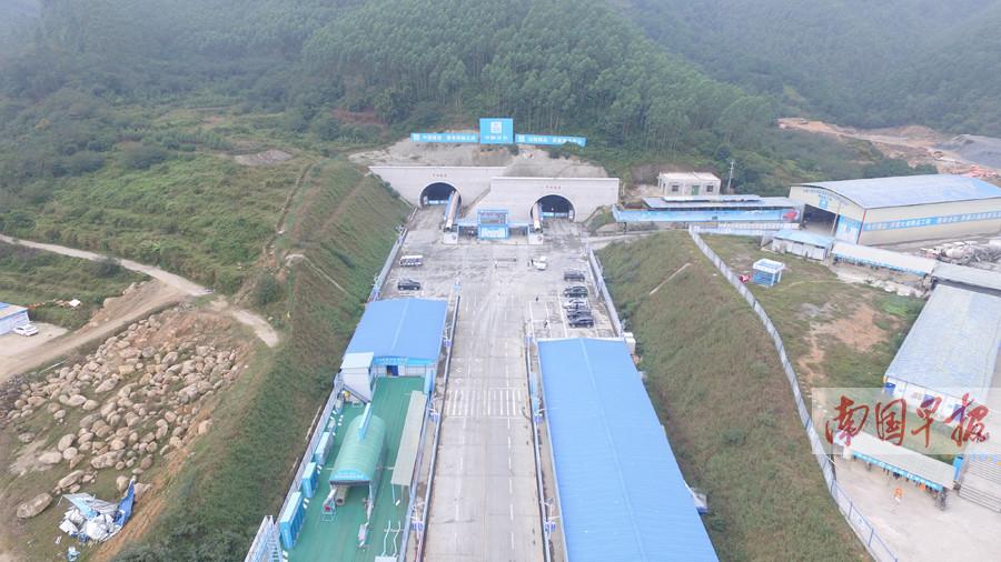 高清:大塘至浦北高速项目两大重点工程均已开建