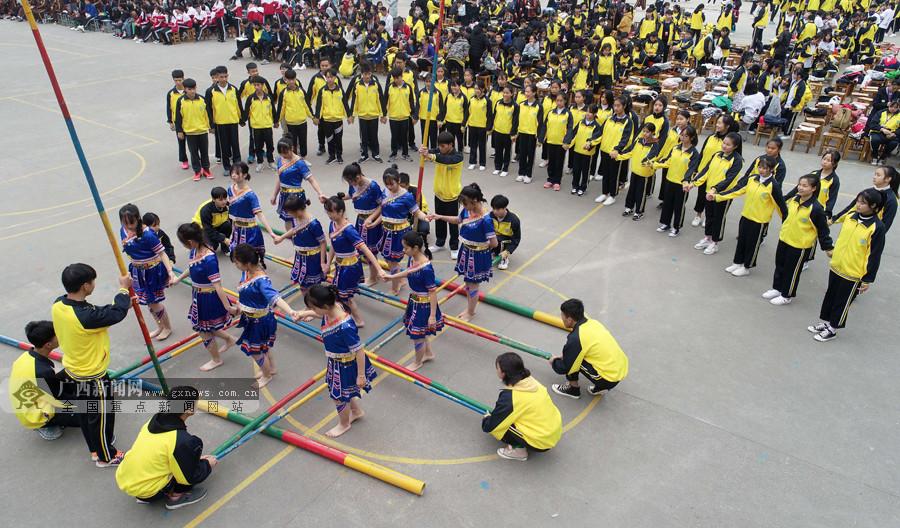 三江中学举办体育运动会 师生花样竞技展风情(图)