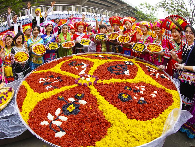 高清:广西各族人民同呼吸、共命运 绽放团结之花