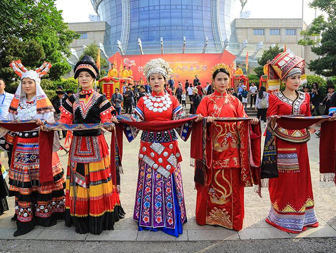 壮乡60载·生活变迁——广西民族服饰展华章