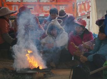 12月13日焦点图:南宁正式入冬 65年来最早
