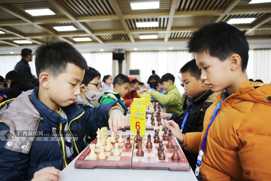 """""""棋""""士齐聚斗智 广西首届国际象棋等级赛收官"""
