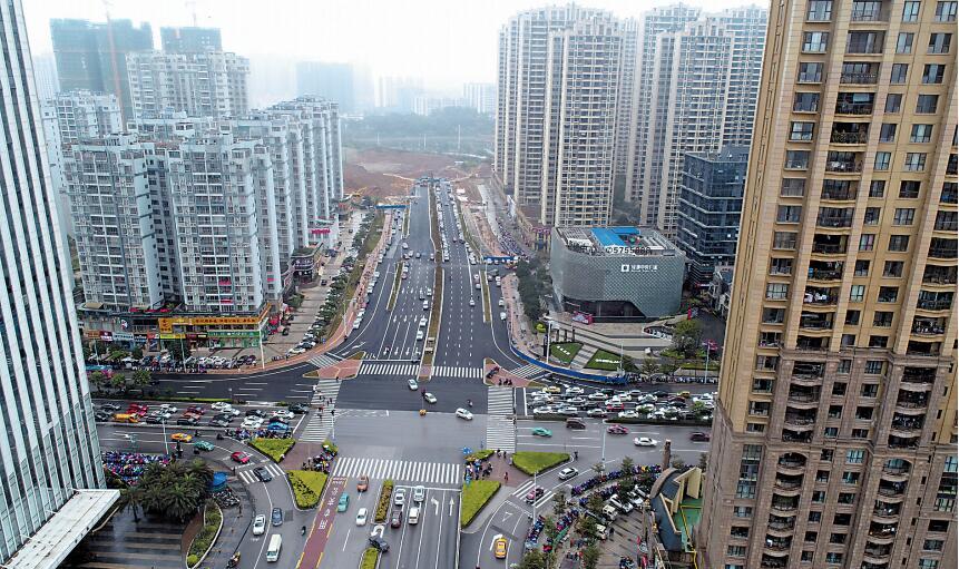 """南宁5条""""断头路""""""""瓶颈路""""打通 市民出行更便捷"""