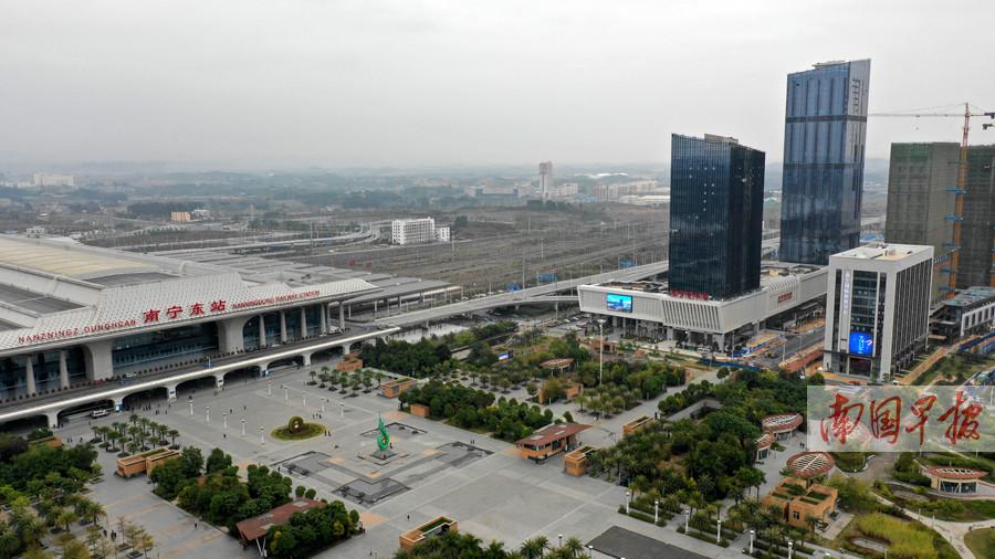 1月18日焦点图:南宁凤岭客运站开门迎客 地铁1号线可直达