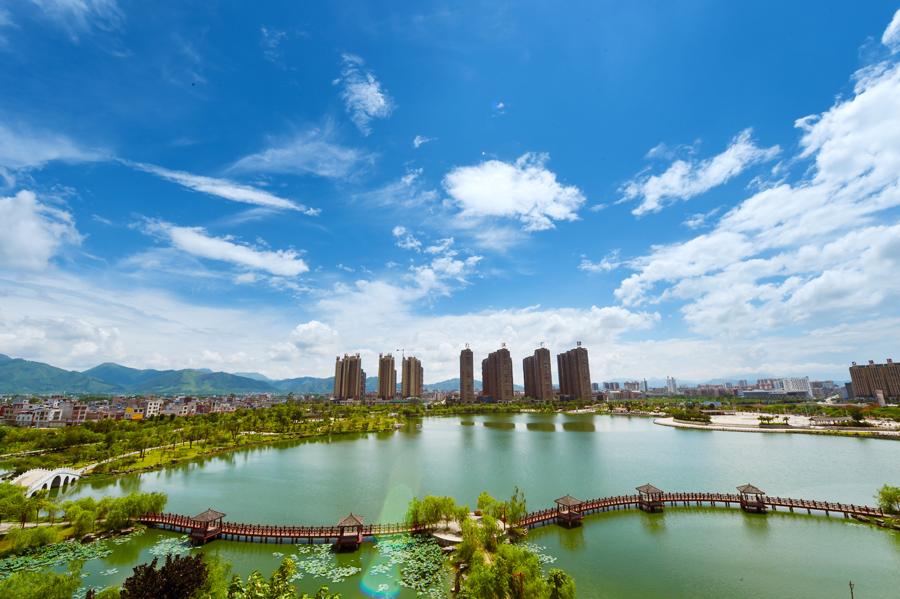 """宾阳优质资源搭上全域旅游""""快车"""" 凤凰湖展美景"""