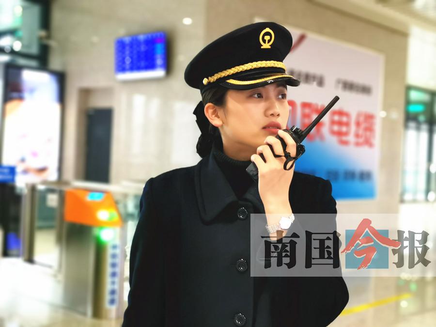 """火车站客运值班员马雪梅:""""十八般武艺""""傍身(图)"""