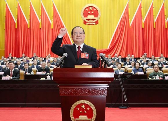 鹿心社当选广西壮族自治区人大常委会主任