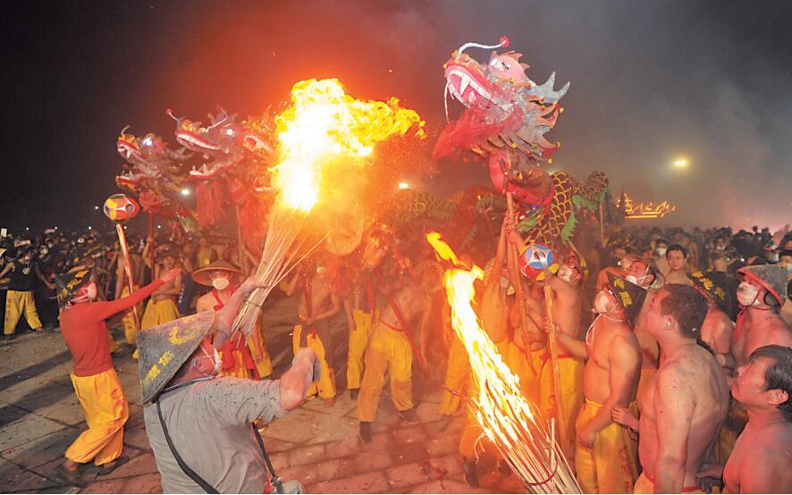 百龙起舞庆新春 宾阳炮龙节活动2月14至15日举行