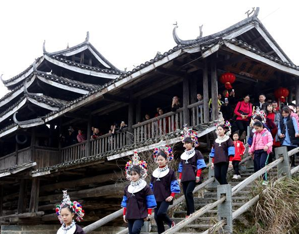 广西三江:侗族特色婚俗闹新春