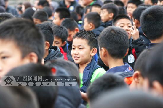 第二届上海上港青少年足球精英邀请赛在手机pt电子技巧收官