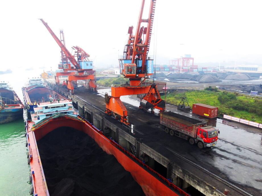 """备足""""年货"""" 铁水联运为电厂保驾护航"""