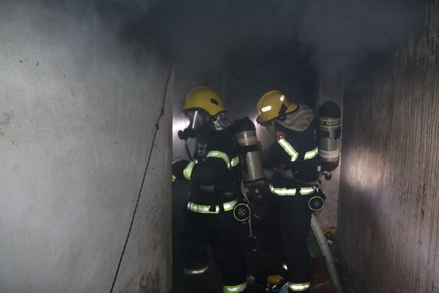 德保一民房夜间发生火灾 消防7分钟扑灭火势(图)