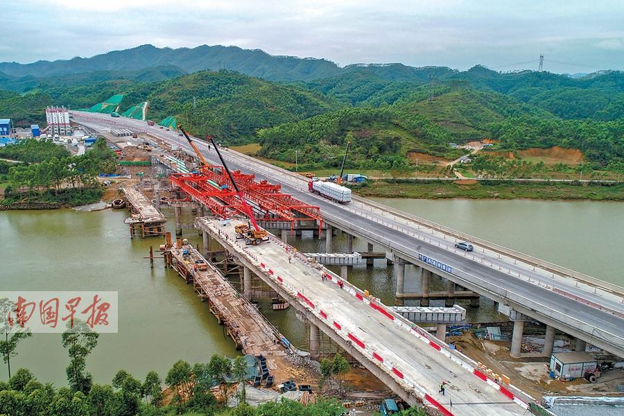 4月2日焦点图:南钦防高速将变8车道