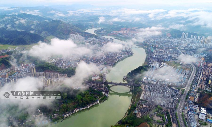 航拍:三江雨后雾气蒸腾宛若仙境
