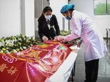 【12小时】邕城女入殓师入行十二年送走4万名逝者