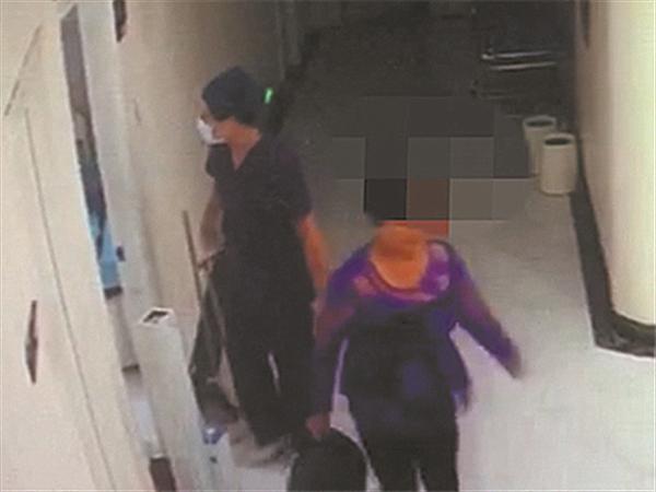 4月22日焦点图:整形回家两天 59岁女子莫名死亡