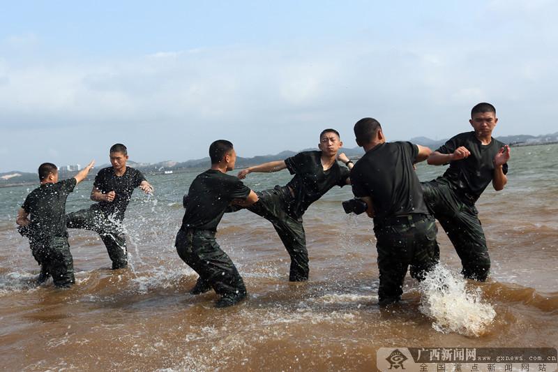 直击武警广西总队钦州支队海滨训练场(组图)