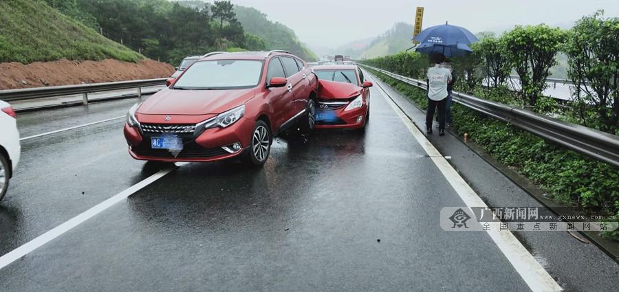 五一返程高峰 兰海高速钦州段连发4起交通事故