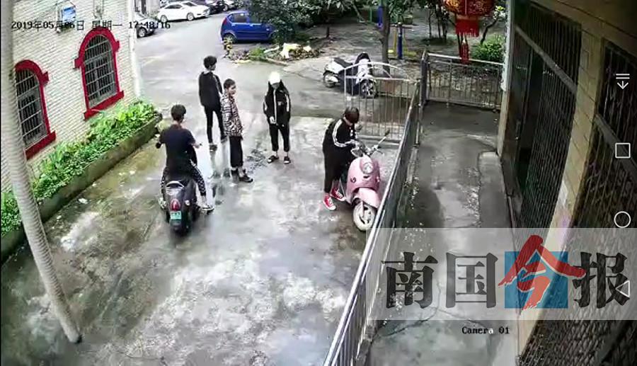 5月8日焦点图:小年轻秒盗电动车 车主私家监控拍下全程