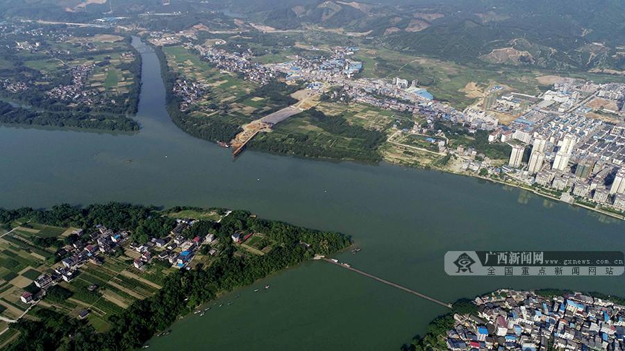江在城中,城在江中 俯瞰夏日融江美丽画卷(组图)