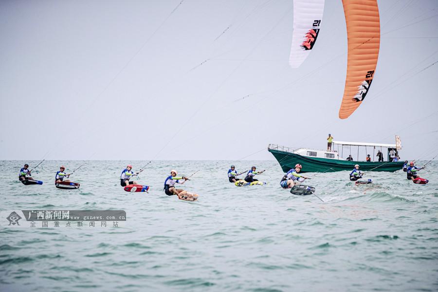 好风正当时 北海风筝板比赛扬帆看少年(组图)