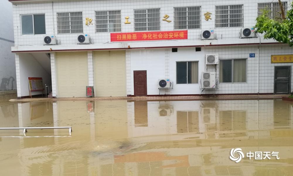 强降雨袭击广西 多地现洪涝灾害