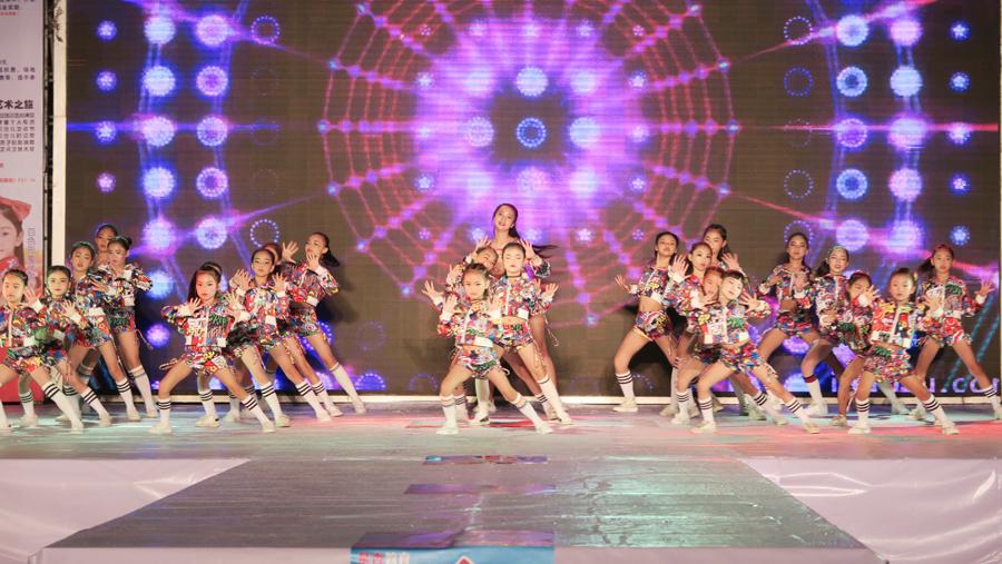田阳田州古城为少年儿童提供施展才艺舞台(图)