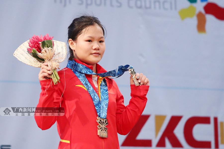 广西小将赵金红斩获2019年举重世青赛3枚金牌(图)
