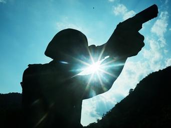 高清组图:光与刚的碰撞 武警特战队员训练剪影