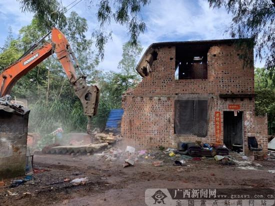 邕宁区:依法对3处违法建设实施拆除
