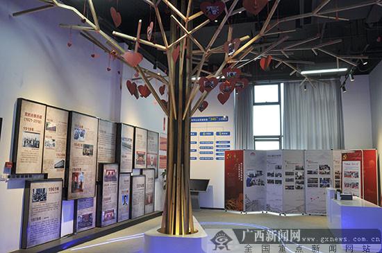柳州:党旗招展耀龙城 综合发展有力量