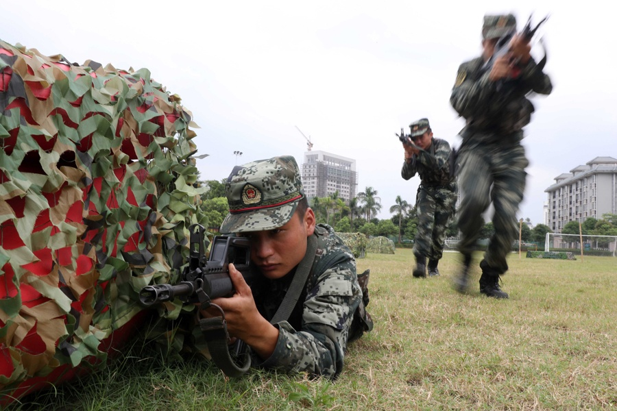 武警教練員比武提升警(士)官組訓任教能力(圖)