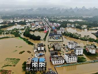 桂林多地发生内涝灾害 消防解救遇险群众2589人