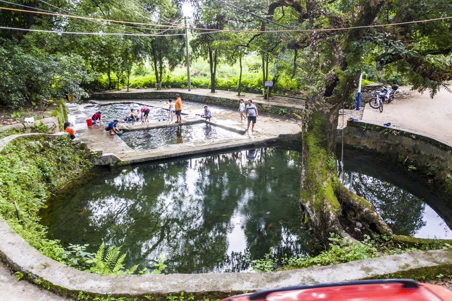 高清:恭城洲塘村300多年历史的古井 水质清澈甘甜