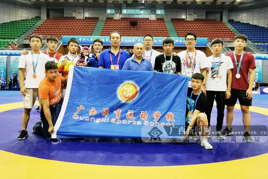 广西体校队获二青会男子自由式摔跤决赛2金3银2铜