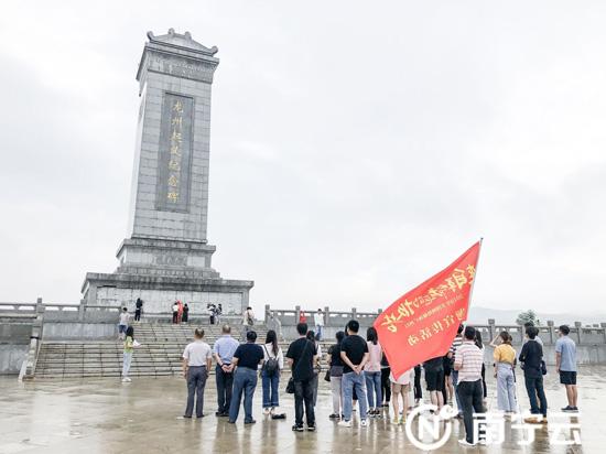 """全国网络媒体广西行""""媒体采访团走进龙州县"""